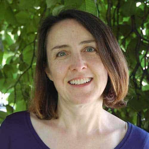 Author Dara Carr